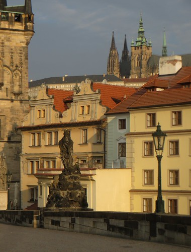 Vue sur Mala Strana depuis le pont Charles, Prague, République tchèque.