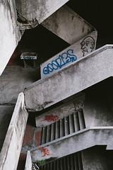 千越大樓 (YELLOW Mao. 黃毛, Photographer) Tags: 台灣 台中 taiwan taichung streetphotography snapshot architecture 千越大樓