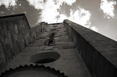 Djenga (Atreides59) Tags: prague praha républiquetchèque czechrepublic urban urbain ciel sky nuages clouds histoire history noir blanc nb noiretblanc white black bw blackandwhite atreides atreides59 cedriclafrance
