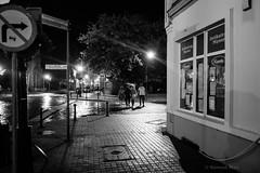 Gniezno (nightmareck) Tags: gniezno wielkopolskie polska poland europa europe fotografianocna bezstatywu handheld night fujifilm fuji fujixt20 fujifilmxt20 xt20 apsc xtrans xmount mirrorless bezlusterkowiec xf18mm xf18mmf20r fujinon pancakelens
