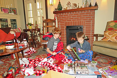 christmasexp (FAIRFIELDFAMILY) Tags: christmas 2018 jason taylor grant carson michelle winnsboro sc south carolina present presents family living room house interior arts crafts craftsman bungalow antique fireplace rug lego legos child boy young old children boys mother son fairfield county vintage tree morris chair oak mantle piece