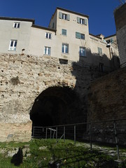 ingresso, anfiteatro romano, Ancona (Pivari.com) Tags: ingresso anfiteatroromano ancona