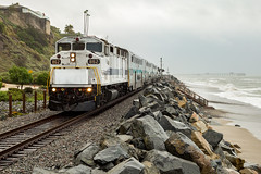 Hugging the Coastline (sully7302) Tags: metrolink scax emd f59ph f125 san clemente train trains transport railway railroad passenger transportation pacific ocean fog waves scenic california surfliner surfline