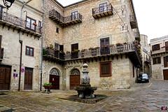 DI PETRALIA A NICOSIA 2018 055 (aittouarsalain) Tags: place piazza petraliasoprana trinacria sicilia fontaine eau acqua fontana