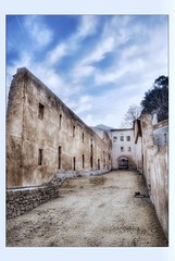 Ruines du Paradou (Charlottess) Tags: février ruines saintpons saintebaume paca bouchesdurhône