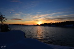 Norwegian sunset (iJoydeep) Tags: nikon d7000 ijoydeep joydeepsphotography fjord norway norway2day visitnorway landscape dusk sunset winter