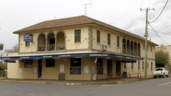 CANOWINDRA Pubs (1/2) (Jungle Jack Movements (ferroequinologist)) Tags: canowindra junction nsw new south wales court house hotel street lachlan valley way great northern xxxx australia alcohol ale alehouse amber bar barman bartender beer brew brewery drink draught lager saloon tavern inn public drunk publican local stout lounge watering hole pub tab order cold cheers keg serve liquor whiskey spirits schooner pot mates victoria melbourne bitter carlton emu west end story history rail smoke honky tonk dive gaskill