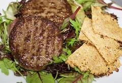 fullsizeoutput_faef (Fan Majie 範瑪姐) Tags: beef burger salad cauliflower parmesancheese crisps