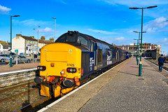 37423 + 37407 - Lowestoft - 09/03/19. (TRphotography04) Tags: direct rail services drs 37423 spirit lakes br large logo 37407 stand lowestoft after working 1455 2j80 norwich greater anglia service
