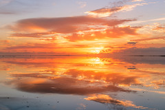 vliehors sunset sky (hein van houten) Tags: sunlight sun sunset sunsetreflections vliehors vlieland sunsetsky clouds sunsetclouds reflection island texel mirrorimage