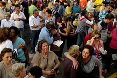 Por Um Mundo Melhor (Sergio Bertolo) Tags: brasileiros confraternização abraços amizade amor