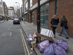 20190119T12-59-17Z (fitzrovialitter) Tags: bloomsburyward england fitzrovia gbr geo:lat=5152052000 geo:lon=013582000 geotagged unitedkingdom peterfoster fitzrovialitter city camden westminster streets urban street environment london streetphotography documentary authenticstreet reportage photojournalism editorial daybyday journal diary captureone olympusem1markii mzuiko 1240mmpro microfourthirds mft m43 μ43 μft ultragpslogger geosetter exiftool rubbish litter dumping flytipping trash garbage