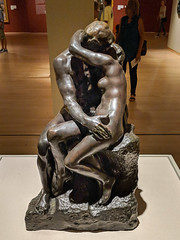 """The Kiss"", Auguste Rodin (Joey Hinton) Tags: phoenix art museum pixel2 google android smartphone cellphone cameraphone phone arizona"