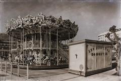 ... Alderdi Eder ... (Lanpernas .) Tags: carrusel carrousel tiovivo caballitos zaldikomaldiko donostia alderdieder 2019 city urban sansebastián