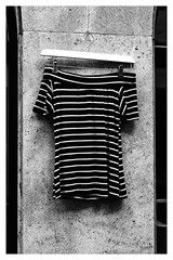 Anonymous Visitor oublié son pull (Armin Fuchs) Tags: arminfuchs pulli stripes anonymousvisitor pull niftyfifty