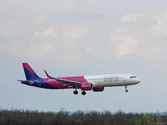 WizzAir | Airbus A321-271NX | HA-LVA (Márton Botond) Tags: wizzair airbus a321 a321neo airplane plane planespotting fly landing airport budapest lisztferenc budapestairport bud hungary europa panasoniclumixdmclz20