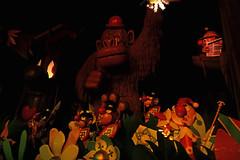 Carnaval Festival - Efteling (Netherlands) (Meteorry) Tags: europe nederland netherlands holland paysbas noordbrabant brabant kaatsheuvel loonopzand deefteling efteling themepark parcdattractions fun happy park parc reizenrijk carnavalfestival darkride mackrides omnimover joopgeesink toonhermans ruudbos february 2018 meteorry africa slavery noserings controversal monkey singe