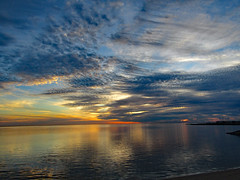 121618pm (sunlight_hunt) Tags: sunlight sunrisesunset sunriseoverwater matagordabay texasgulfcoast texas texassunrisesunset texassky palacios