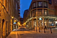 Shad Thames (Geoff Henson) Tags: street walkway footpath pavement lights shops brewery wharf cafe morning night