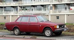 Volvo 144 DL 1974 (XBXG) Tags: 37br06 volvo 144 dl 1974 volvo144 deluxe lpg gpl red rood rouge hogeweyselaan nederland holland netherlands paysbas vintage old classic swedish car auto automobile voiture ancienne suédoise sverige sweden zweden vehicle outdoor