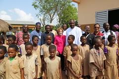 GPE CEO Alice Albright visits the Yokon-Gbeme primary school (Global Partnership for Education - GPE) Tags: gpeceo alicealbright gpe globalpartnershipforeducation education benin educationinbenin students schoolvisit