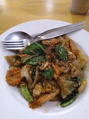 Big Thai dinner at Mobile Steak, Bangkok (Thailand) (Loeffle) Tags: 112018 thailand bangkok restaurant mobilesteak thaifood thailändischesessen dinner abendessen