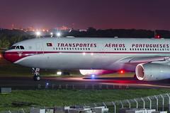 CS-TOV - Airbus A330-343 - TAP Portugal Retrojet (2) (RafaelBateraSSA) Tags: ssa sbsv salvador night boeing airbus nikon sideral avianca jordan tap copa airlines gulfstream g450 737f a320 767 a330 planes spotter