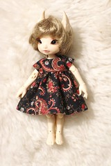 288/365 Winter Paisley (AluminumDryad) Tags: photoaday dailypicture project365 fairyland realfee haru tinybjd bjd balljointeddoll sewing handmade dolldress dollclothes etsy etsyshop winter black red christmas trillianandcompany