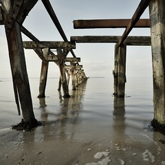 calm & cold (liebeslakritze) Tags: calm cold longexposure baltic sea pier decay wood water sky contrast ostsee windstille anleger verfall holz wasser himmel nieby