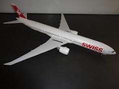Boeing 777-3DE(ER), Swiss, HB-JNH, Revell (+ Draw-Decals), 1/144 (lutz1957) Tags: boeing 7773deer 1144 swiss revell drawdecal hbjnh verkehrsflugzeug ge90115b