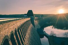 Dam wall of the Möhnesee (Pascal Riemann) Tags: abendstimmung deutschland sonnenstern stimmung sauerland natur landschaft möhnesee staudamm blendenstern germany landscape nature outdoor damwall eveningmood mood sunstar