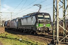 01_2019_02_13_Köln_Porz_Wahn_6193_830_ELOC_mit_6185_697_Rpool_und_Containerzug ➡️ Bonn (ruhrpott.sprinter) Tags: ruhrpott sprinter deutschland germany allmangne nrw ruhrgebiet gelsenkirchen lokomotive locomotives eisenbahn railroad rail zug train reisezug passenger güter cargo freight fret köln porz wahn db eloc sbbc wirsch wlc 1216 3294 5407 6145 6185 6193 bonn ell ice lokzug himmel blau azur sonne gegenlicht outdoor logo natur
