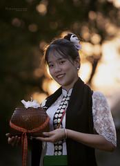 Cô gái Chiềng Ly (vanmenhmuoiba) Tags: girl outdoor 70200 70–200 6d can beautiful goldtime vietnam
