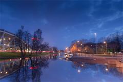 City moat in Gothenburg (TheStolpskott) Tags: blue twop sweden gothenburg göteborg vallgrav moat longexposure reflections water lights streetlights tungsten sky trees lightstreaks