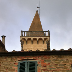 Private residential ornamental tower - Vinci, Tuscany, Italy (edk7) Tags: nikoncoolpix4500 edk7 2004 italy italia tuscany toscana vinci architecture building oldstructure wall house shutter tower terracotta ornamental decoration chimney roofline lightningrod pennant stonework stone brick railing arch arcade
