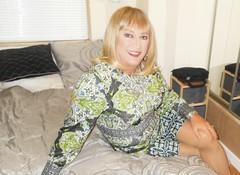 DSCN1784_pp (DianeD2011) Tags: crossdresser cd crossdress crossdressing stockings tg tranny transvestite tgirl tgurl pantyhose