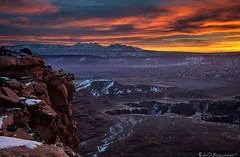 Grandview Dawn (Bill Bowman) Tags: canyonlandsnationalpark islandinthesky mantilasalmountains lasalmountains whiterims sunrise cloudglow cloudlight