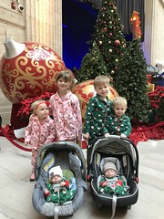 "All the Grandkids in Union Station • <a style=""font-size:0.8em;"" href=""http://www.flickr.com/photos/109120354@N07/32567816158/"" target=""_blank"">View on Flickr</a>"