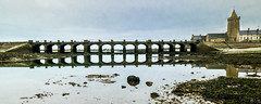 Portbail 13 arches (françoispeyne) Tags: manche portbail cotentin normandie reflet pont arches mer