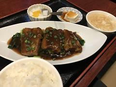 Brasied Pork Belly Lunch (Phreddie) Tags: chinesefood lunch brasied porkbelly eat food restaurant tokyo japan