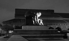 British Library after dark (Dun.can) Tags: london art britishlibrary nw1 blackwhite night dark sculpture statue shadows
