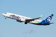 Alaska Airlines Boeing 737-890 N516 AS (Mark Harris photography) Tags: spotting lax la canon 5d as alaska boeing 737