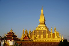 Pha That Luang (Hanoi North End) Tags: phathatluang vientiane laopdr laos buddhisttemple gold ວຽງຈັນ ສາທາລະນະລັດປະຊາທິປະໄຕປະຊາຊົນລາວ pentax manuallens pentaxk70 pentaxm28mmf28 1382000 1514 goldenhour