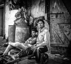 Mumbai (XIV) (manuela.martin) Tags: bw blackandwhite schwarzundweis streetphotography india mumbai people peoplephotography foreignpeople leicammonochrom leicamonochrom leicam leica hipshots