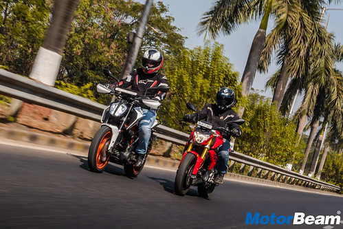 BMW-G-310-R-vs-KTM-Duke-390-14