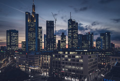 20190118-_DSC5302 (A/D-Wandler) Tags: frankfurt frankfurtammain hessen deutschland bankenviertel hochhaus wolkenkratzer blauestunde skyline lichter fassade stadt architektur gebäude commerzbanktower omniturm eurotower taunusturm maintower gardentower abend