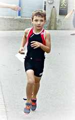 Focused (Cavabienmerci) Tags: kids triathlon vevey 2017 corseaux sur switzerland suisse schweiz kid child children boy boys run race runner runners lauf laufen läufer course à pied sport sports running triathlete