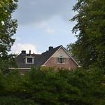 Huis omlijst door groen (134FJAKA_1791) thumbnail