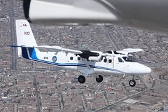 Twin Otter flying formation over Lima City (Walter F.S.) Tags: military banking over ciudad city stol dehavilland peruvian peru lima alas wing canon cielo formación aeronave turbohélice aerea fuerza force air turboprop formation aircraft dhc6 dhc canada havilland otter twin