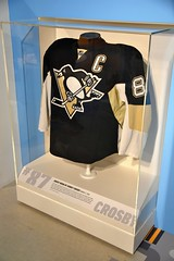 Sidney Crosby Jersey (jpellgen (@1179_jp)) Tags: heinz history museum historymuseum pitt pittsburgh pgh pa pennsylvania winter march 2019 travel roadtrip nikon sigma 1770mm usa america d7200 nhl hockey penguins sidneycrosby jersey 87